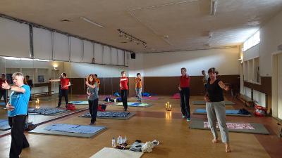 Worp yoga, Yoga in het Hovenhuus