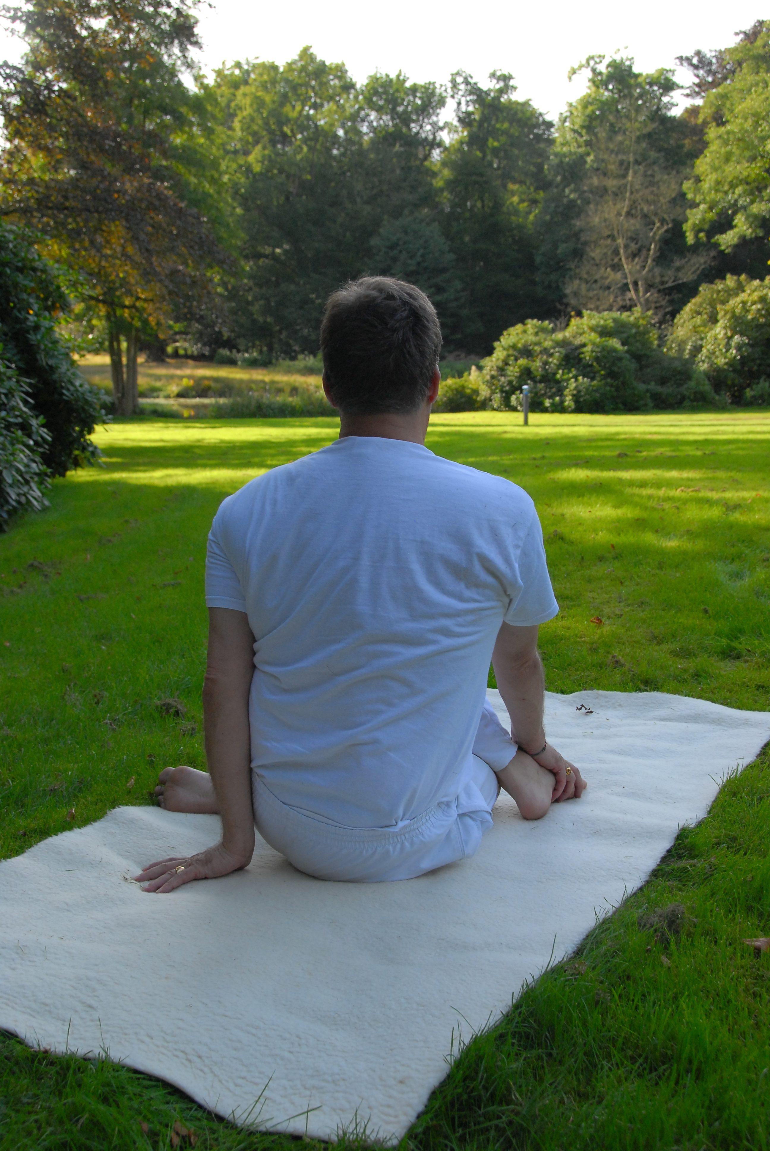 rug yoga oefeningen
