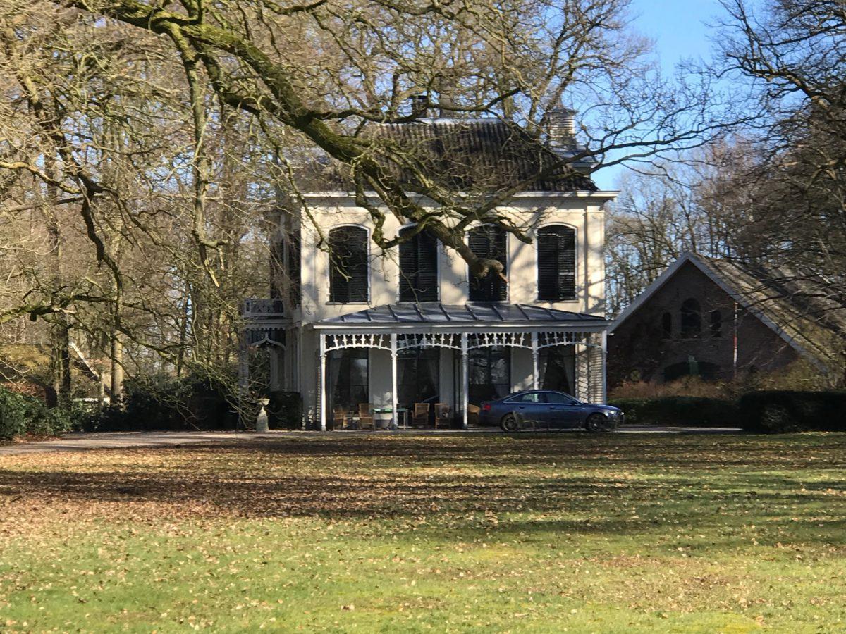 zomer yoga op landgoed Klein Noordijk bij Deventer