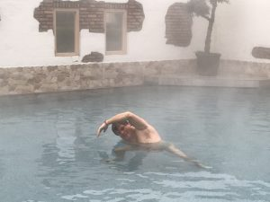 nek yoga in het water bij de wateryoga